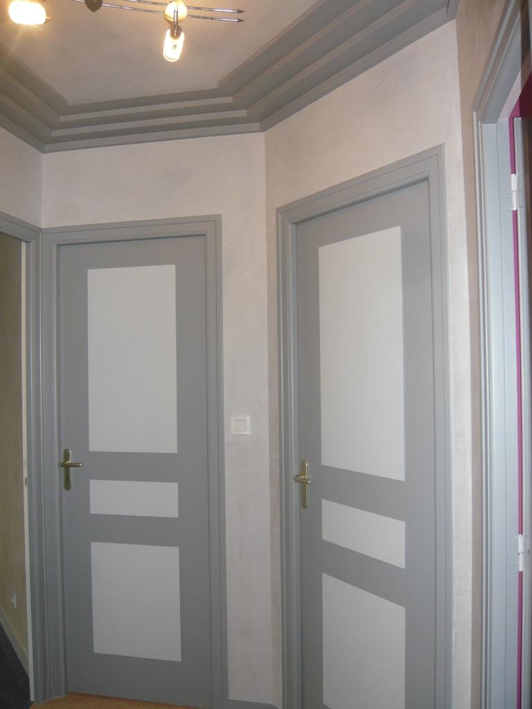 Peindre Un Escalier En Gris cage escalier et hall d'entrée